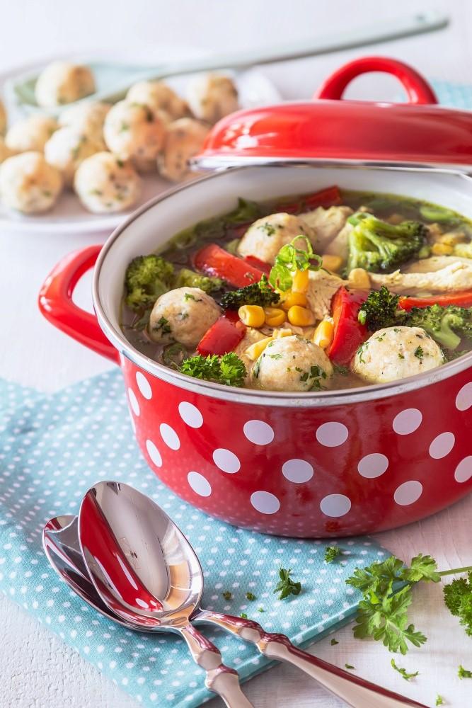 Kuracia polievka s jemnými syrovými knedličkami 2