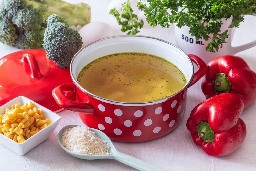 Kuracia polievka s jemnými syrovými knedličkami 3