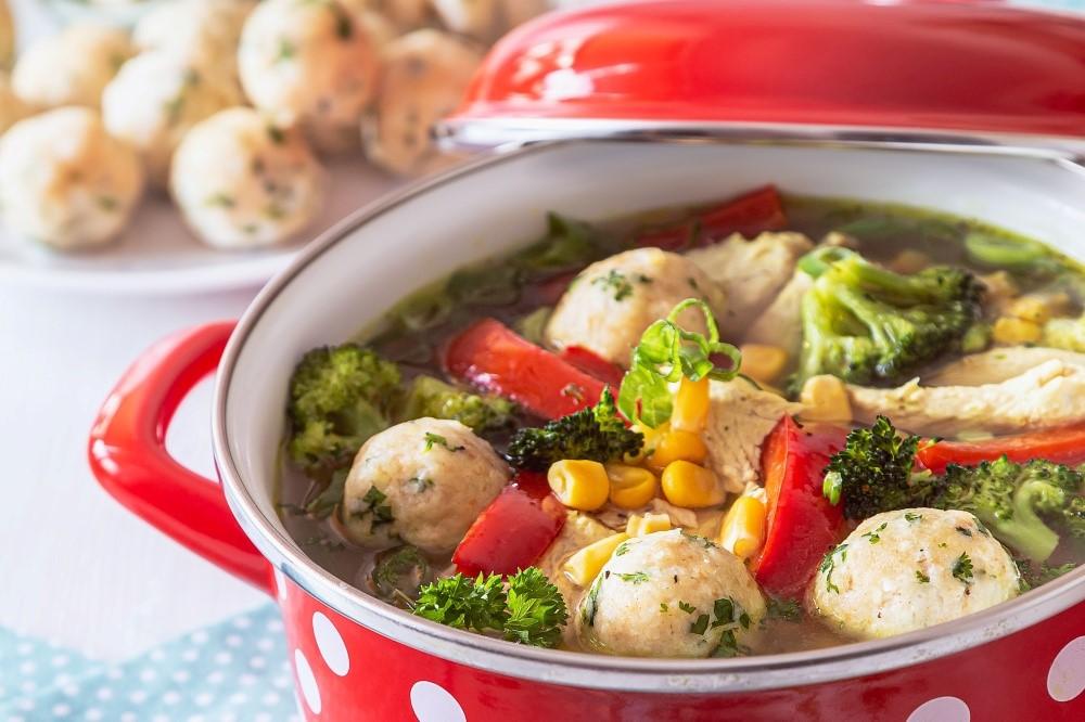 Kuracia polievka s jemnými syrovými knedličkami 5