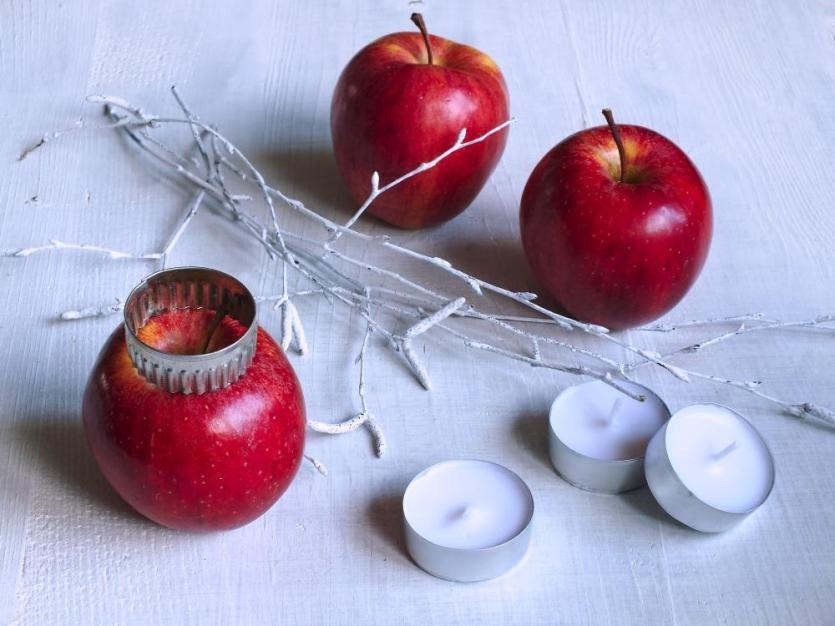 Svietnik z jabĺčok 2