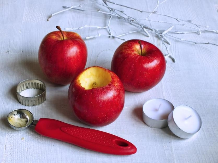 Svietnik z jabĺčok 3