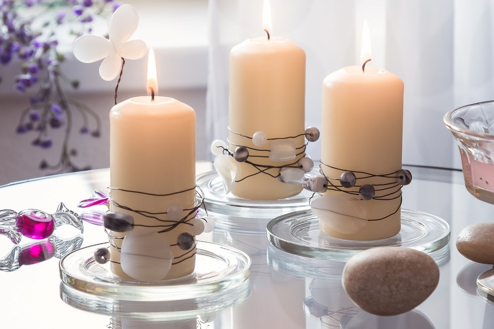 Sviečky s korálikovým dekórom 4