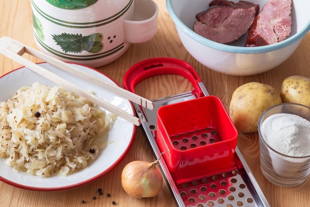 Domáce halušky s kapustou a údeným mäsom 3