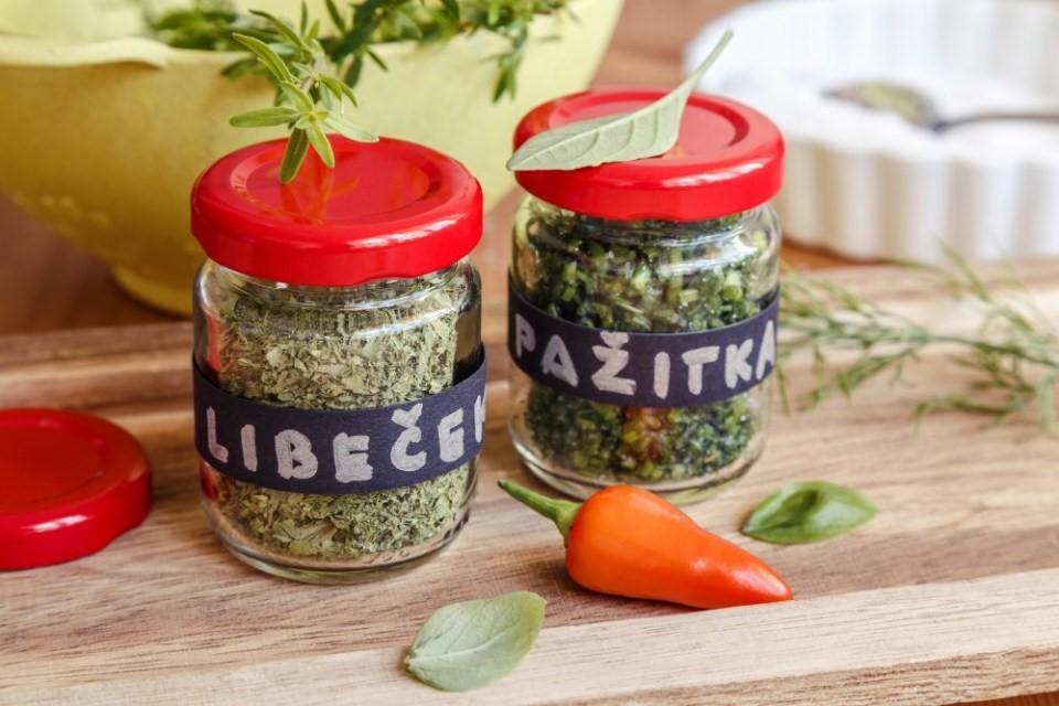 6x zelené bylinky v kuchyni 3