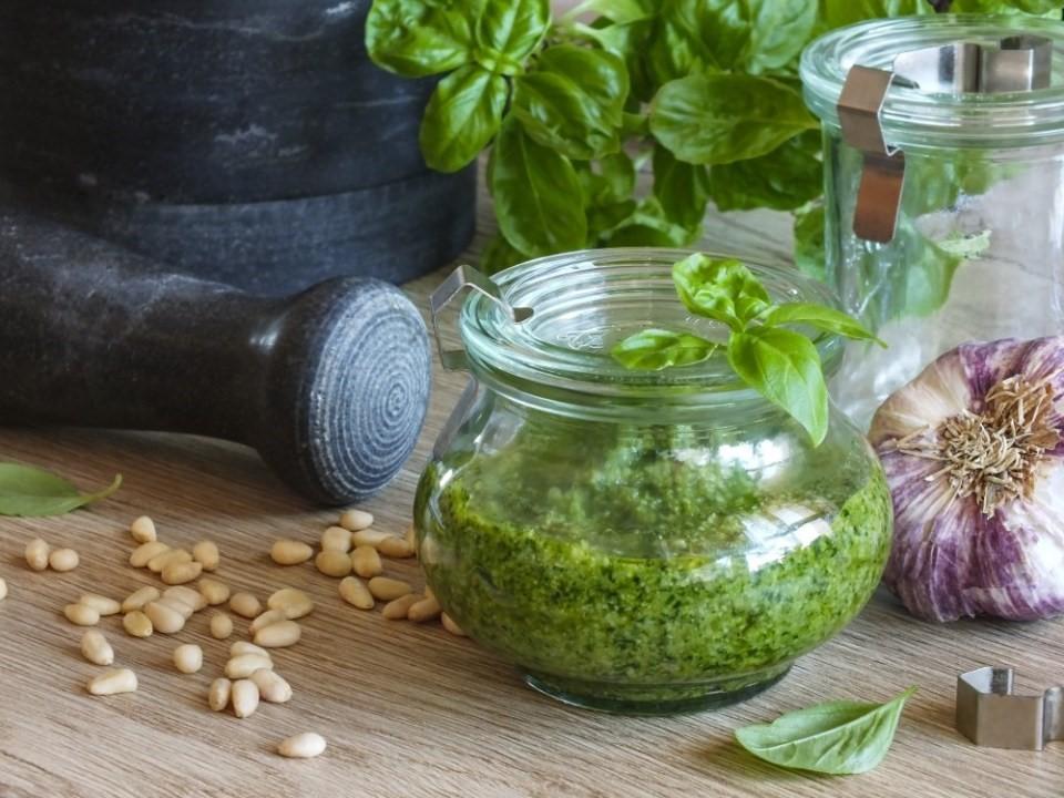 6x zelené bylinky v kuchyni 6