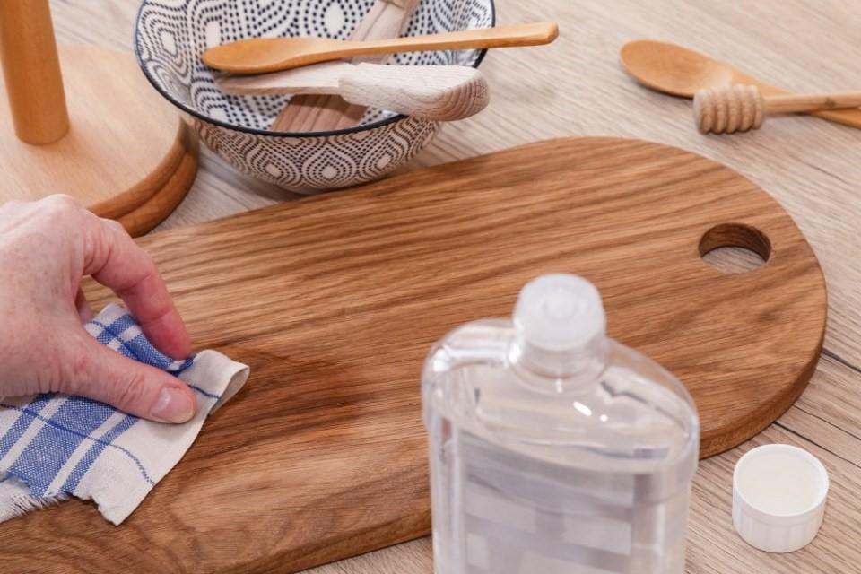 Ako udržiavať drevené predmety v kuchyni 2