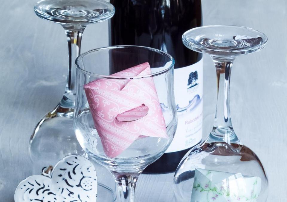 Poháre na víno s darčekmi pre priateľov 5