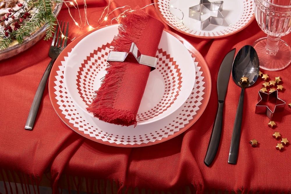 Vianočné stolovanie v tradičných farbách5