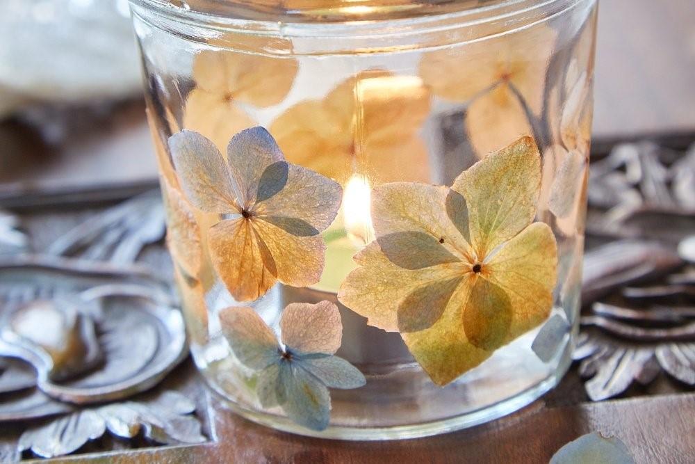 Svietnik z kvetov hortenzie 4