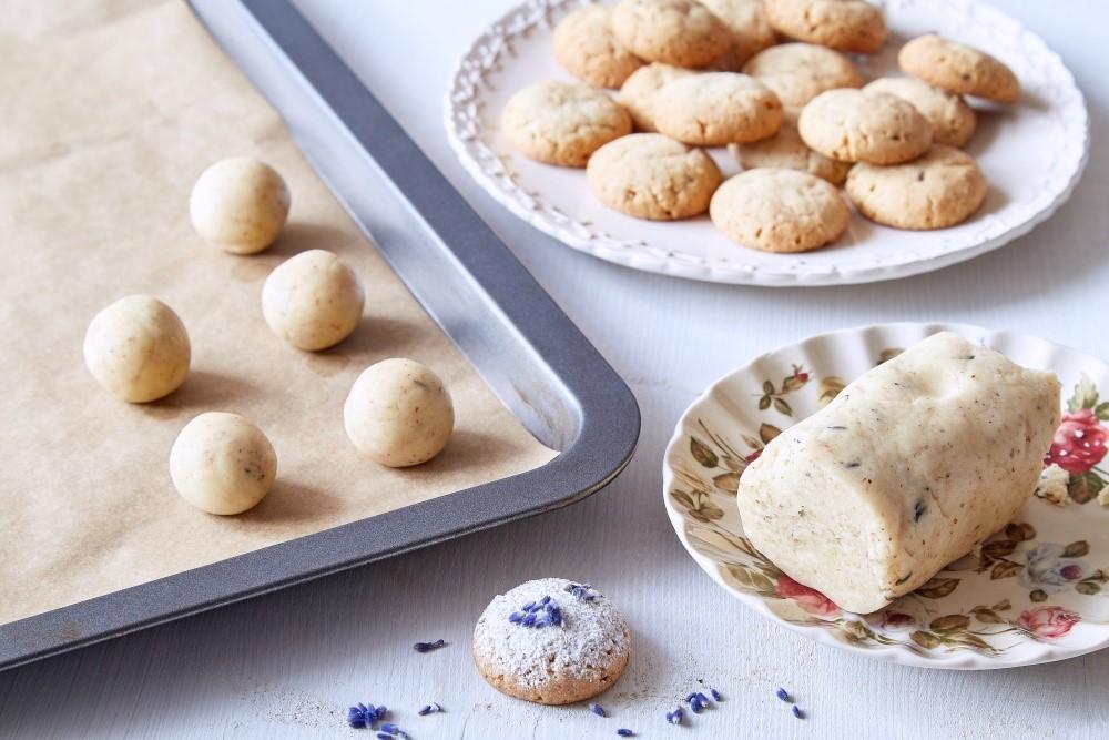 Zaprášené levanduľové sušienky alebo pečenie s amóniom 4